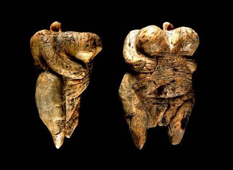 Venus de Hohle Fels, tallada en marfil de mamut. |H. Jensen. Universidad de Tubinga