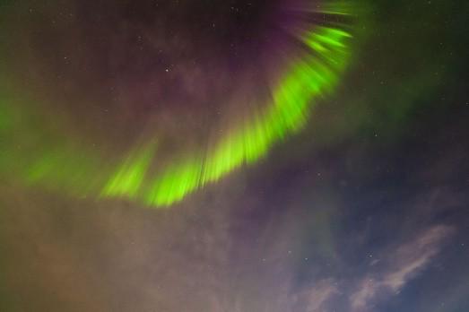 La primera aurora de mi vida, en el cenit. En el campamento de Fletanes de Tierras Polares.|JUAN CARLOS CASADO