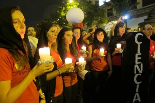 Plañideras en la manifestación por la Ciencia, del 27S.|ROSA M. TRISTÁN
