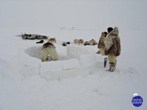 Expedición en Thule, Groenlandia.  Tierras Polares