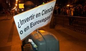 Pancarta en la última manifestación de científicos. |Rosa M. Tristán