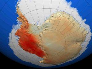 La Antártida y en rojo, el calentamiento según un reciente trabajo. |Nature