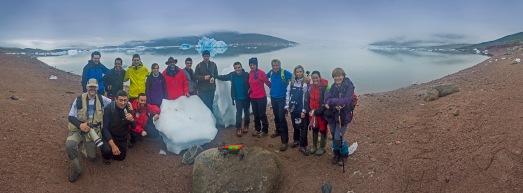 La expedición Shelios, al completo, en Groenlandia. |R.M.T.
