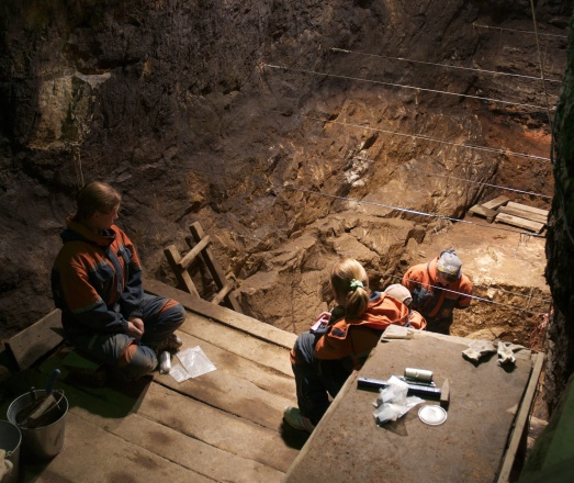 Denisova Cave, excavation in the East Gallery