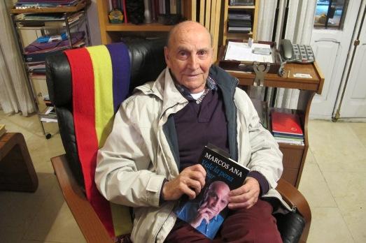 Marcos Ana, en su casa, durante la entrevista. |R.M.T.