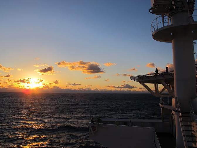 Atardecer en el Pacífico, a bordo del Chikyu.