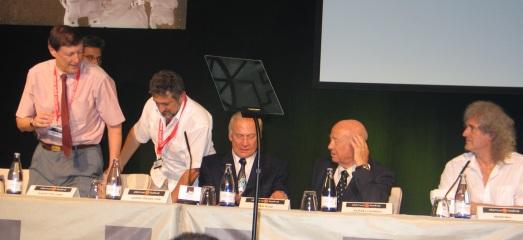 Robert Williams, Garik Israelian, Buzz Aldrin, Alexei Leonov y Brian May, en el Starmus 2011. |ROSA M. TRISTÁN