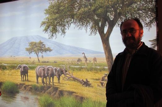Mauricio Antón, delante de uno de sus paneles. |@ROSA M. TRISTÁN