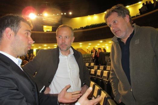 Ramón Larramendi, Alberto Bosch y Juan Menéndez Granados, compartiendo experiencias polares. |ROSA M. TRISTÁN