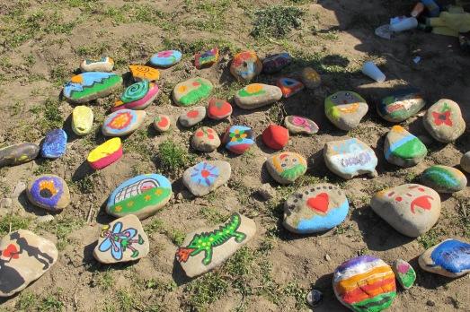 Los niños pintaron, mientras, tomates, invernaderos, dinosaurios...|ROSA M. TRISTÁN