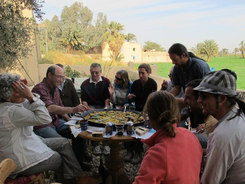 El equipo Djehuty, en plena campaña 2012, su día de descanso.|ROSA M. TRISTÁN