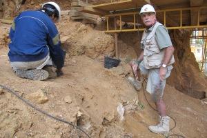 En la Gran Dolina, durante la última campaña de excavación, en 2013. |R,M.T.