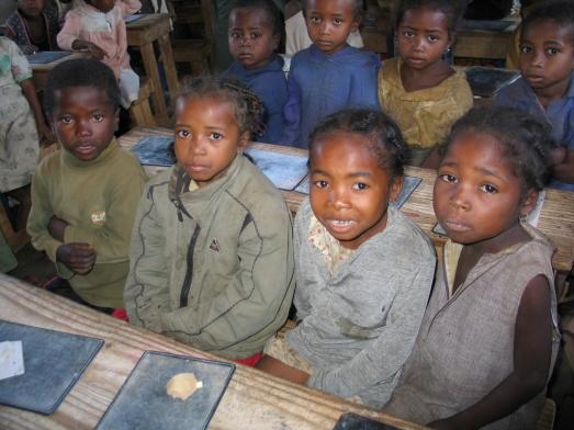 Niñas en el colegio de una aldea al sur de Madagascar. |ROSA M. TRISTÁN