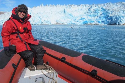 En 2014, con Tierras Polares fui a visitar ese glaciar del fondo. Impresionante.