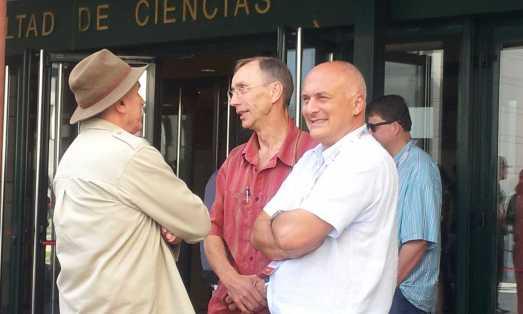 Carbonell con Svante Pääbo y David Lordkipanidze. |R. M. T.