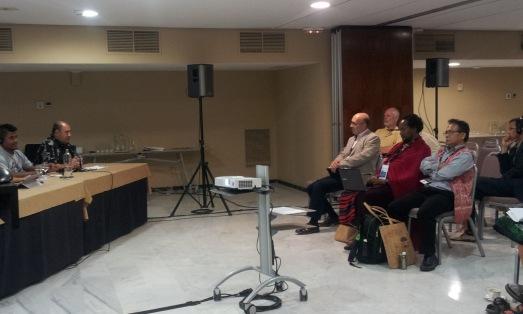 Reunión del comité de indígenas en la Asamblea FSC. |R.M.T.