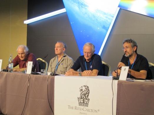 Harold Kroto, Walter Cunningham, Charlie Duke y Garik Israelian, en la rueda de prensa. |ROSA M. TRISTÁN