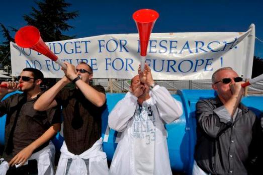 Protesta en el CERN contra los recortes en Ciencia. |EFE-SINC