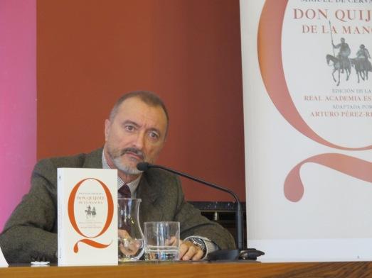 Arturo Pérez-Reverte, en la presentación de 'su' Quijote. |ROSA M. TRISTÁN