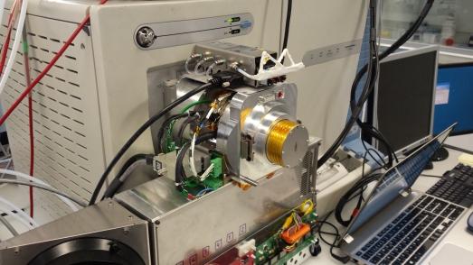 El dispositivo que analiza las moléculas.