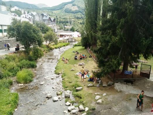 El río Gállego, a su paso por Sallent, otra de las sedes del Festival Pirineos Sur.@RosaTristán