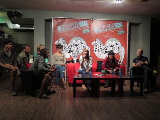 Rueda de prensa con el grupo Perotá Chingó, junto a Luis Calvo, director del Festival, y la diputada Berta Fernández. /@RosaTristán