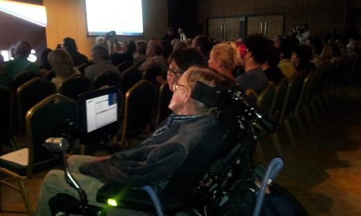 Stephen Hawking, y su ordenador... en Starmus 2014. @RosaTristán